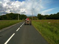 Joseph sur son tracteur