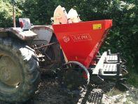Tracteur & planteuse à pdt