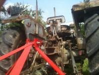 Derrière le tracteur