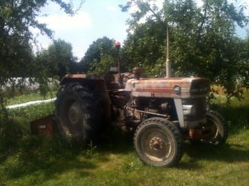 Tractor à l'ombre