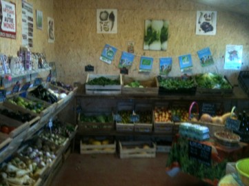 intérieur petit magasin - point de vente